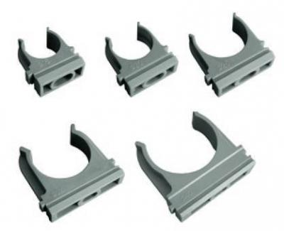 Крепёж-клипса к трубам применяется для крепления как гофрированных, так и гладких труб к поверхности. Для крепления в крепёже предусмотрено технологическое отверстие под дюбель. Крепёж производится из высококачественного АБС - пластика. Поставляются в картонных упаковках или полиэтиленовых пакетах. Крепёж-клипса как одинакового, так и разного диаметра могут соединяться вместе.